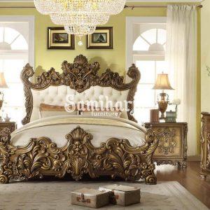 Set Tempat Tidur Homey Design HD-8008 King Panel Kamar Tidur Set 5 Buah dalam Warna Krem, Emas, Kulit